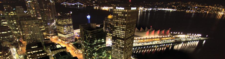 ハーバーセンターから見るバンクーバーの夜景