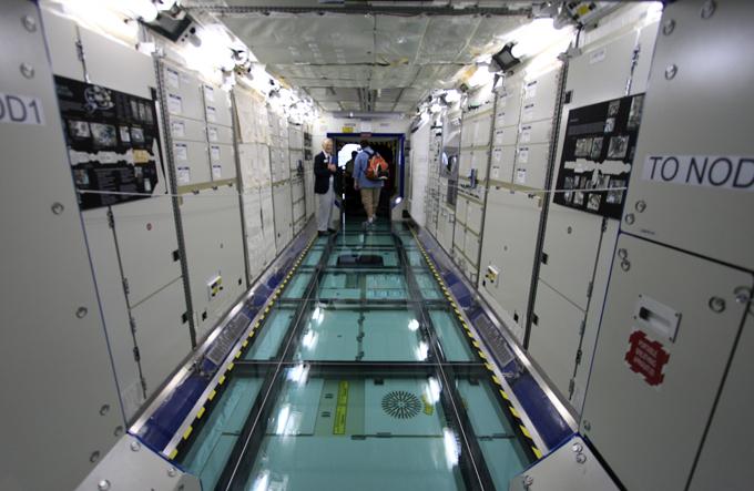 飛行機だけでなく、スペースシャトルも。