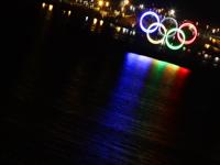 冬季バンクーバー五輪のシンボルイルミネーションの写真