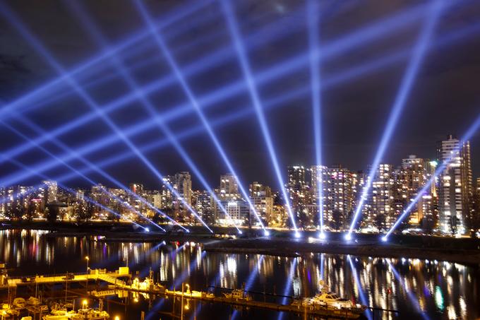 「光彩るバンクーバーの街」