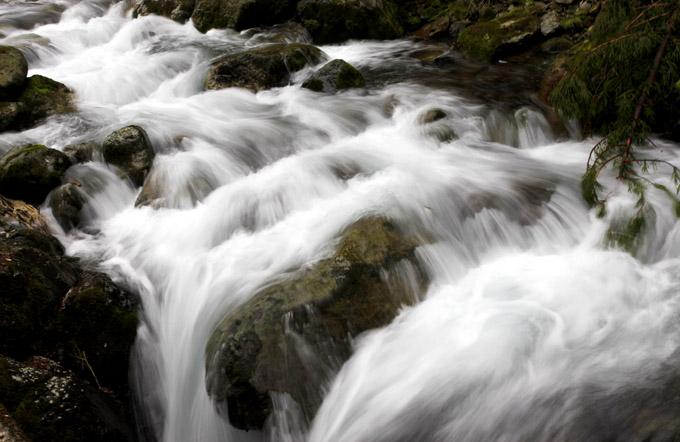 「走る川」